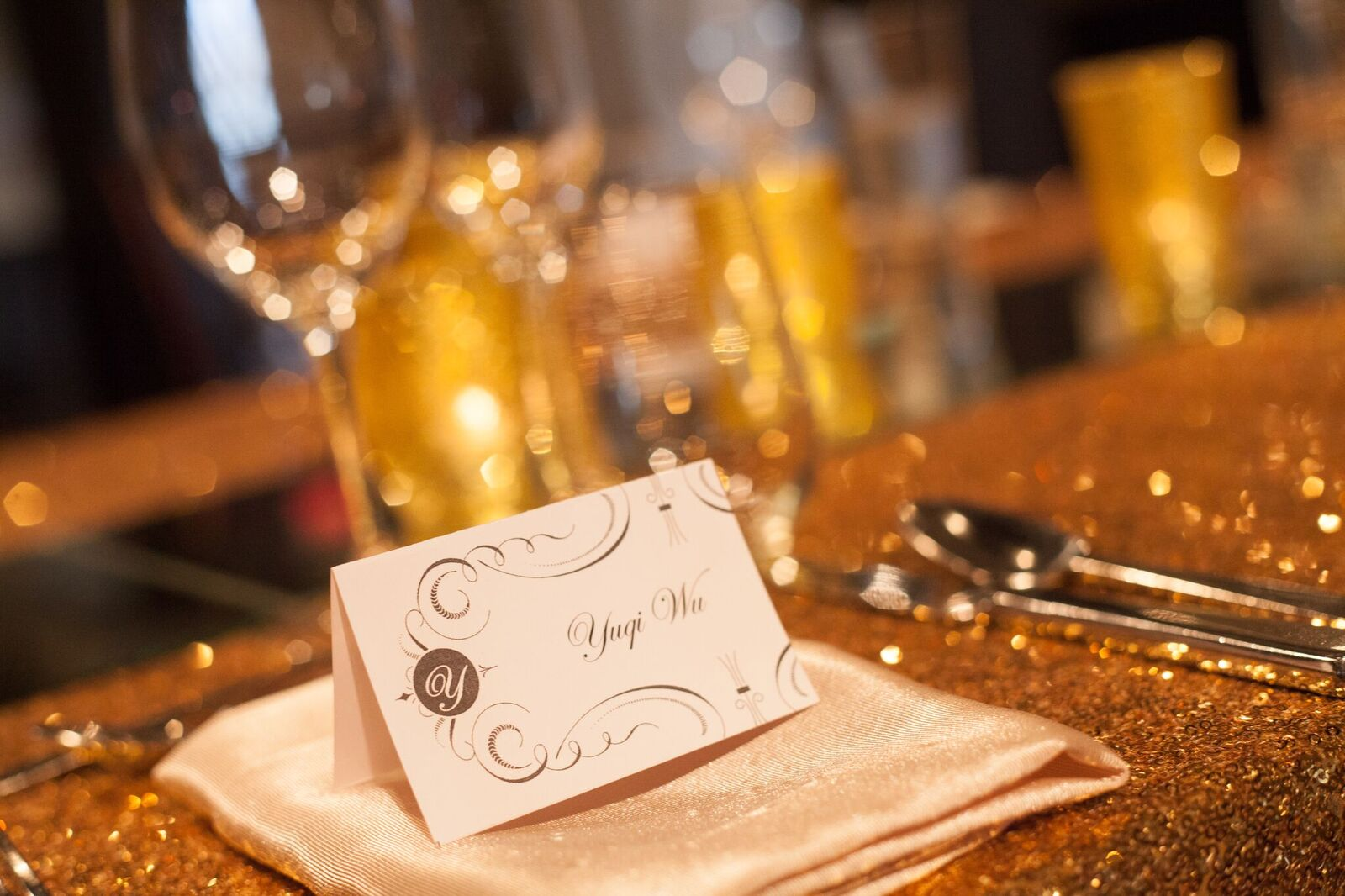 Great Gatsby Themed Wedding Gold place setting - head table