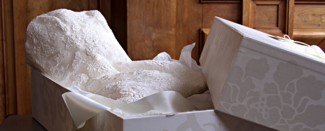 wedding dress packaging